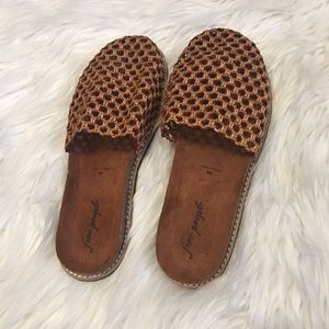 Free People Woven Mules size 40 (10)